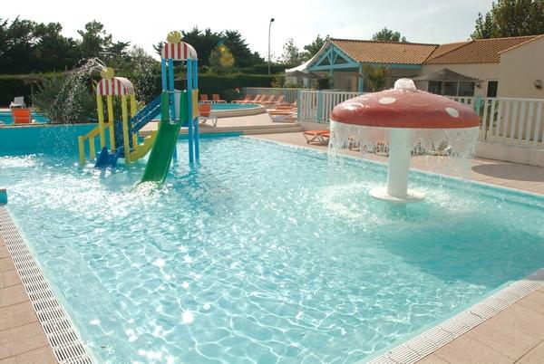 Vm piscines les r alisations de piscines sur mesure for Piscine collective