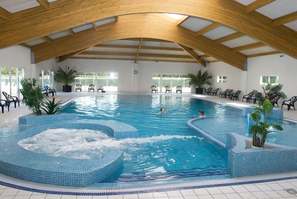 Vm piscines les r alisations de piscines sur mesure collectives - Devis piscine enterree ...