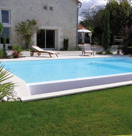 Vm piscines les r alisations de piscines sur mesure for Piscine coque polyester loire atlantique