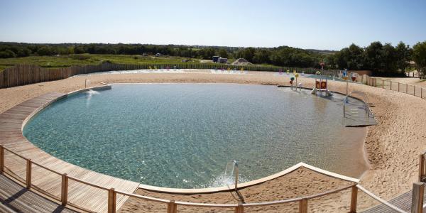Piscine enterr e vendee for Skimmer flottant premium piscine hors sol ou enterree